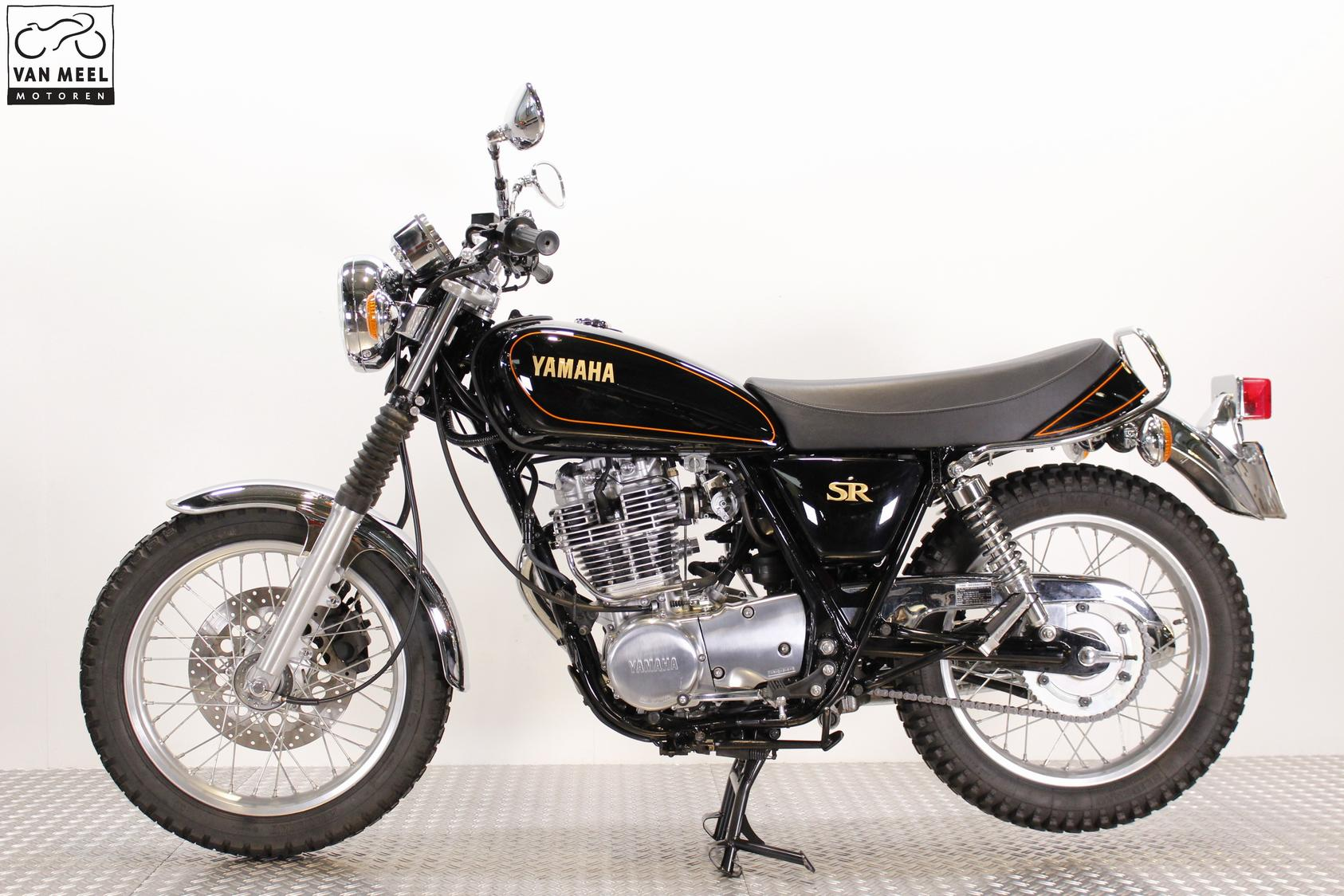 YAMAHA - SR400