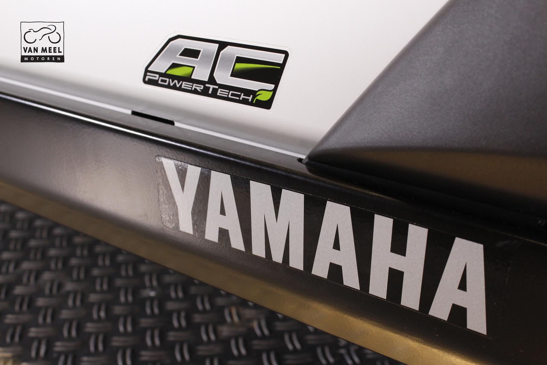 YAMAHA - UMX AC