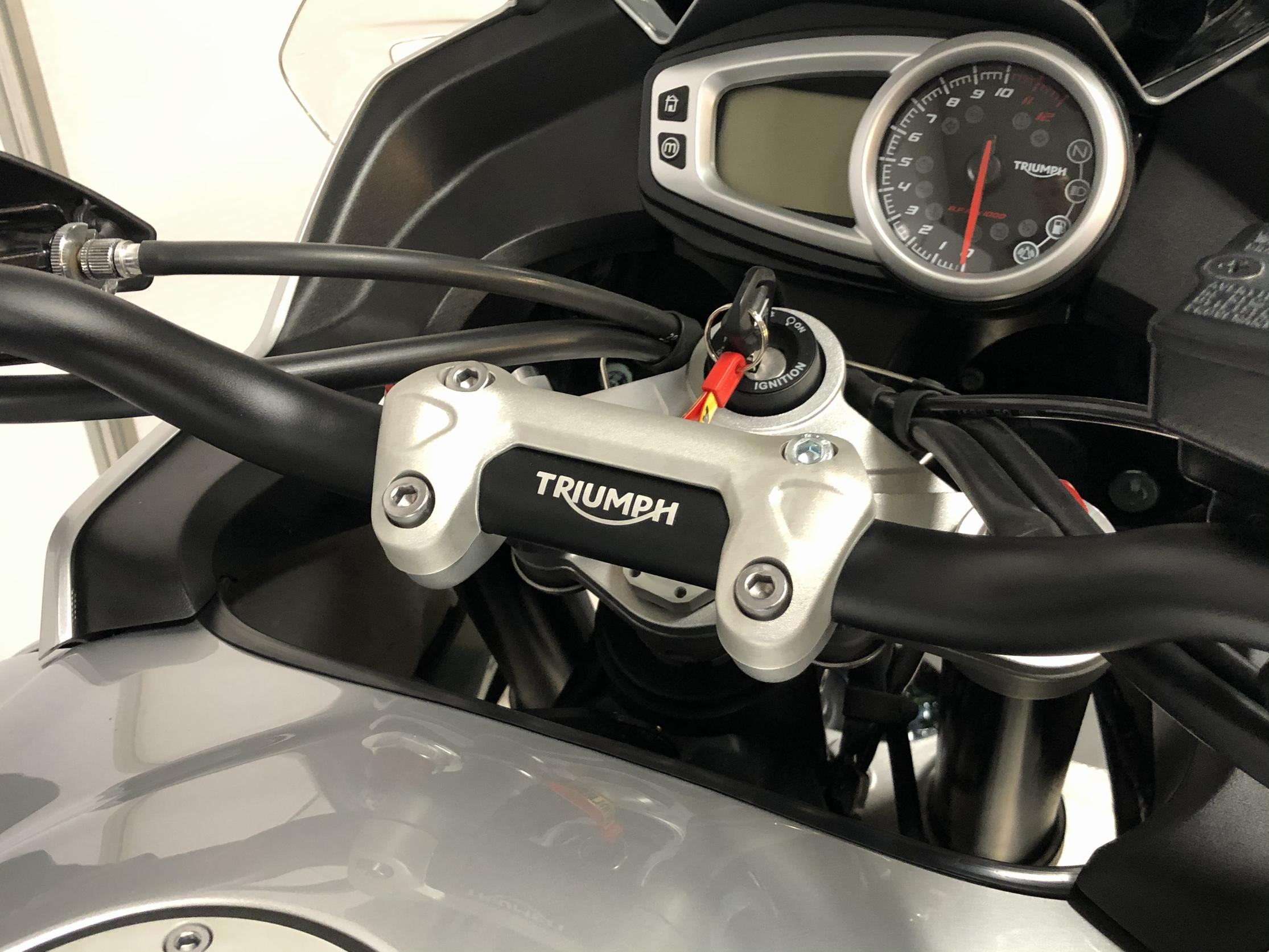 TRIUMPH - TIGER 1050 ABS