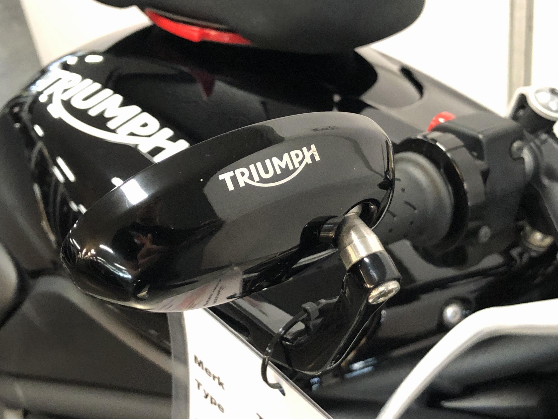 TRIUMPH - SPEED TRIPLE 1050 Speciaal 94
