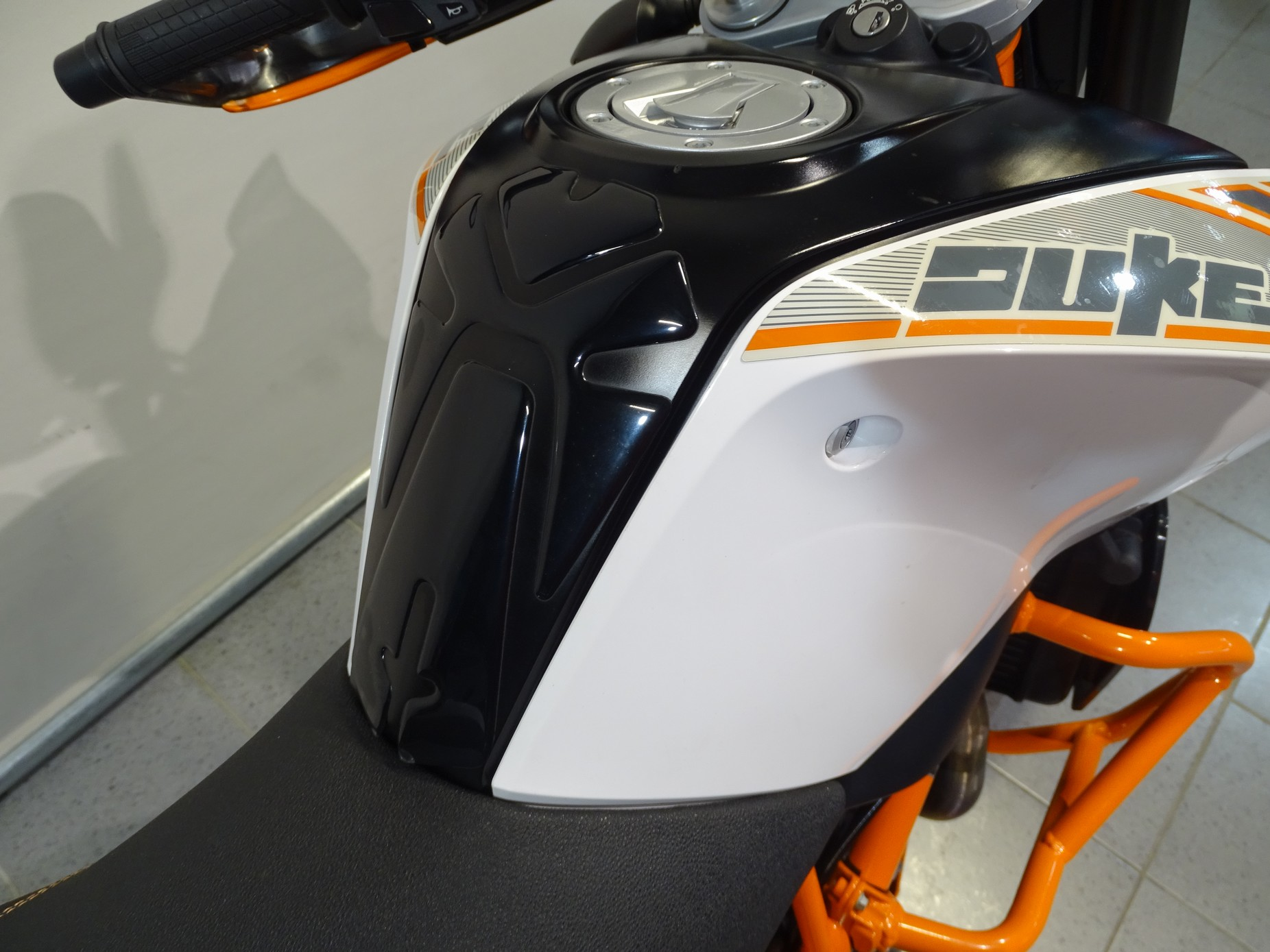 KTM - 690 DUKE ABS