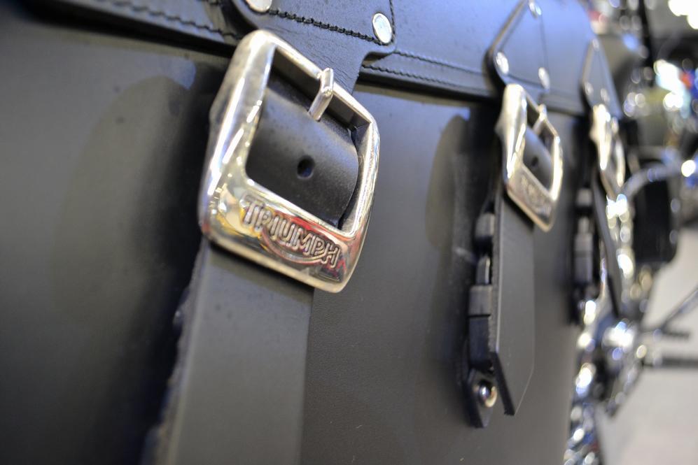 TRIUMPH - ROCKET III ROADSTER ABS