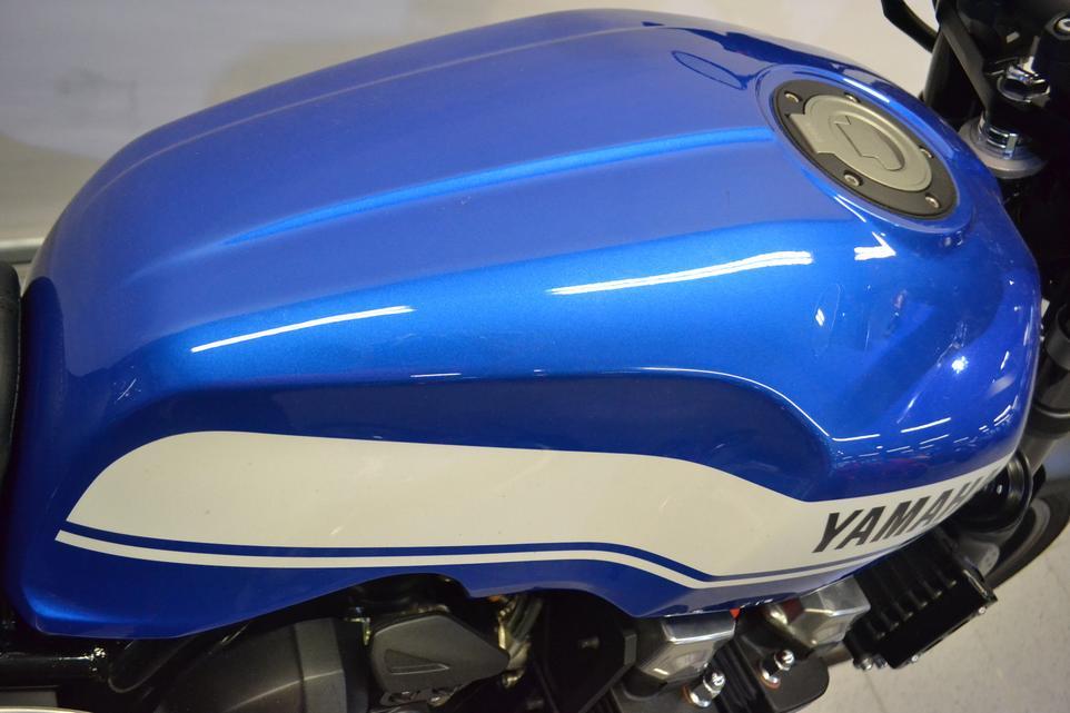YAMAHA - XJR 1300