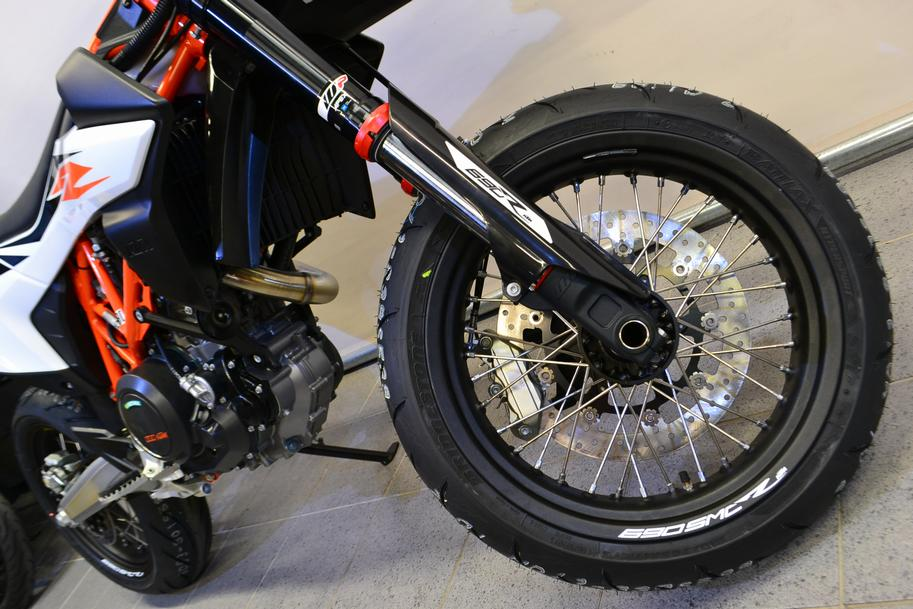 KTM - 690 SMC R