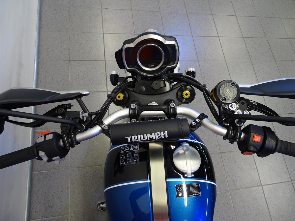 TRIUMPH - SCRAMBLER 1200 XE