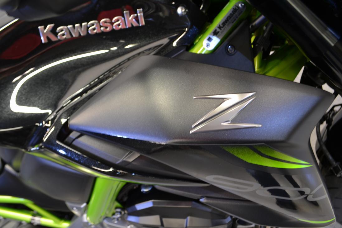 KAWASAKI - Z 900 70 KW