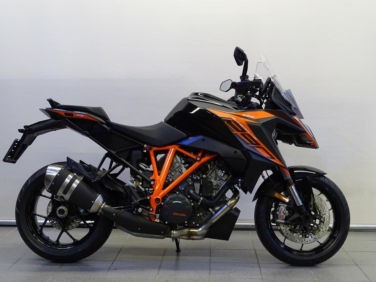 KTM - 1290 SUPERDUKE GT R ABS