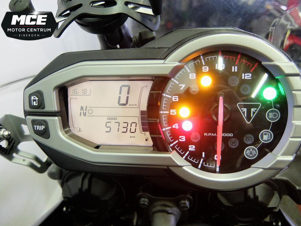 TRIUMPH - Tiger 800 XR