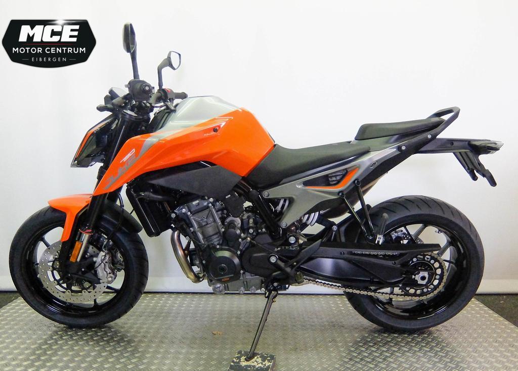 KTM - Duke 790