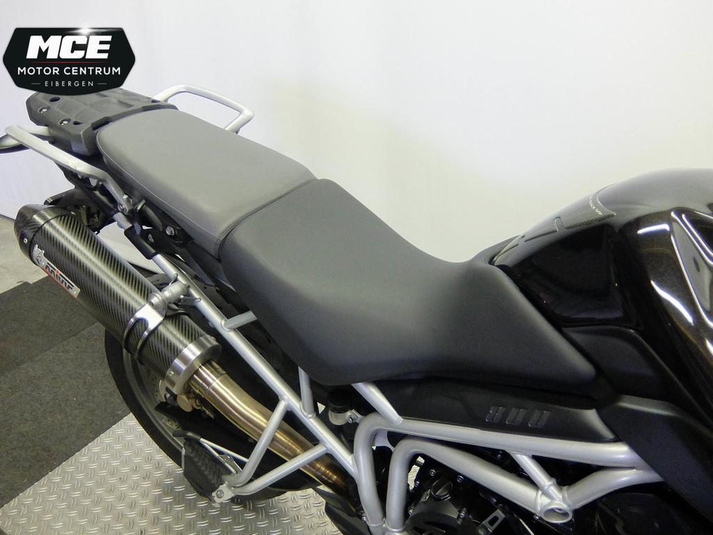 TRIUMPH - Tiger 800