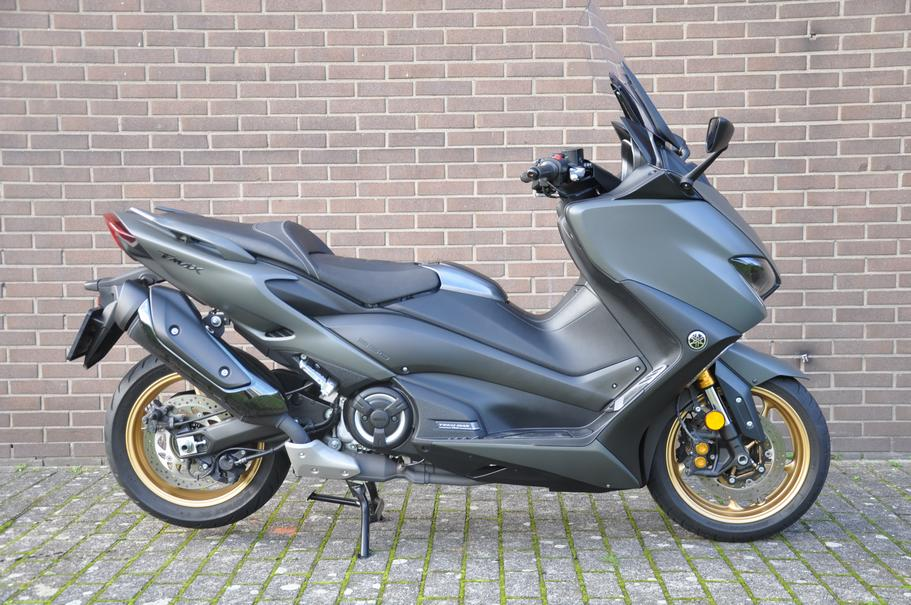 YAMAHA T-MAX XP 560 A Tech MAX