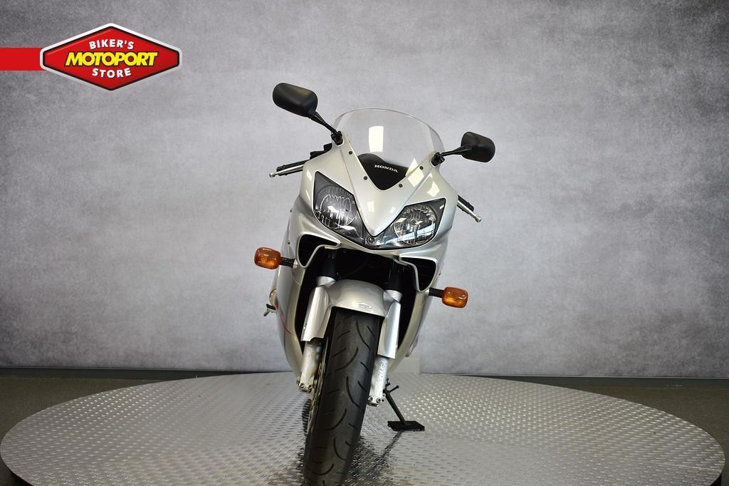 HONDA - CBR 600 F