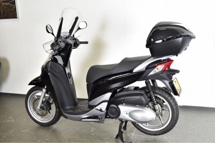 HONDA - SH 300