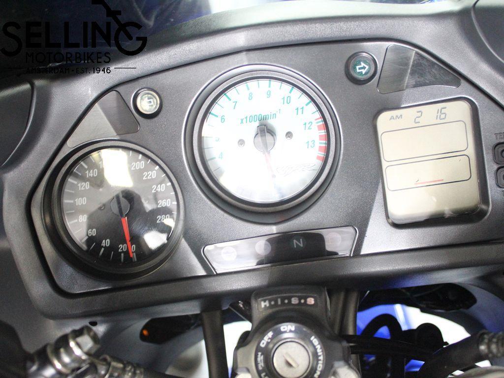 HONDA - VFR 800 FI