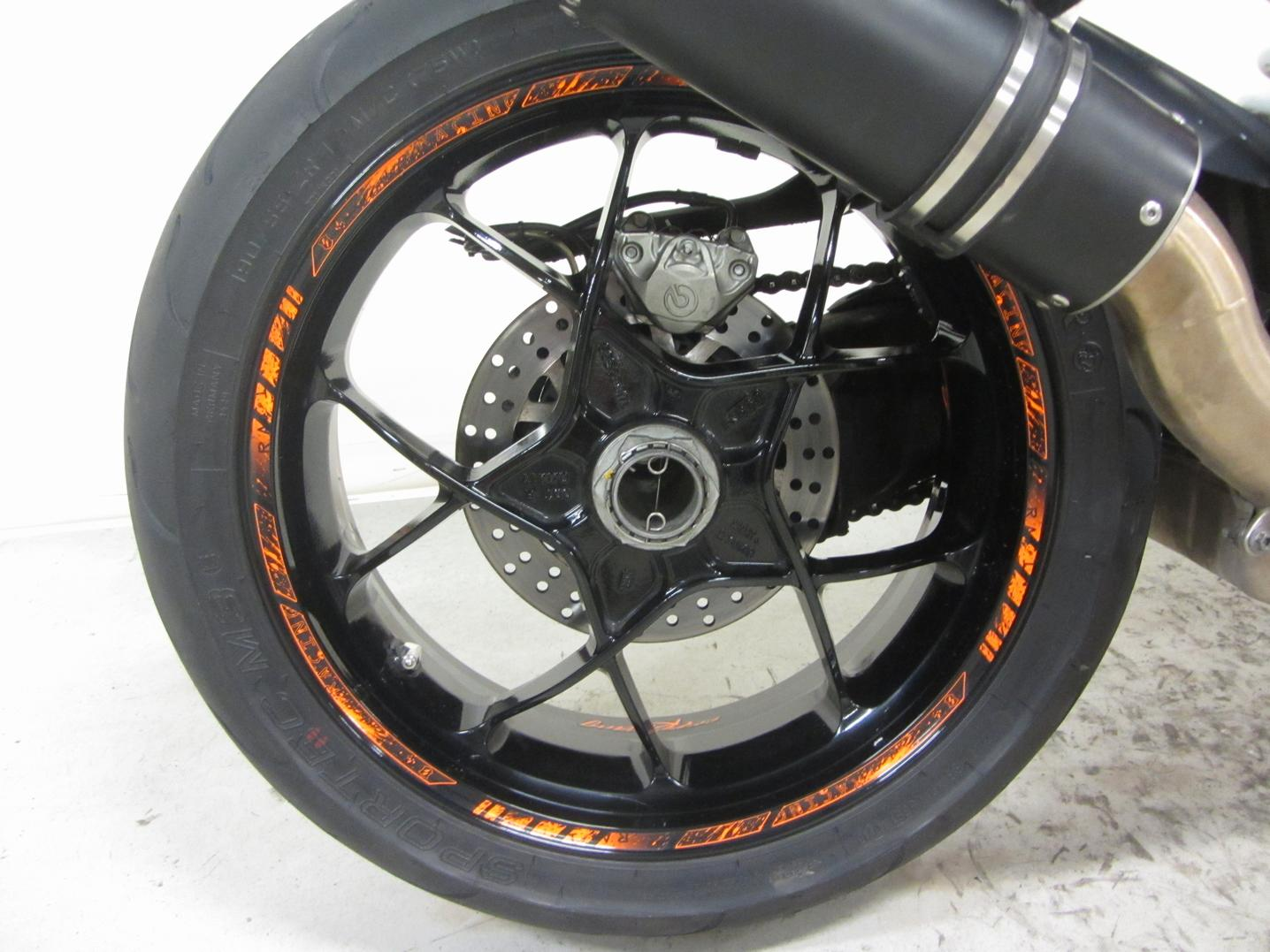 KTM - 1290 SUPER DUKE R ABS