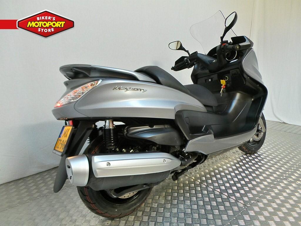YAMAHA - YP400A