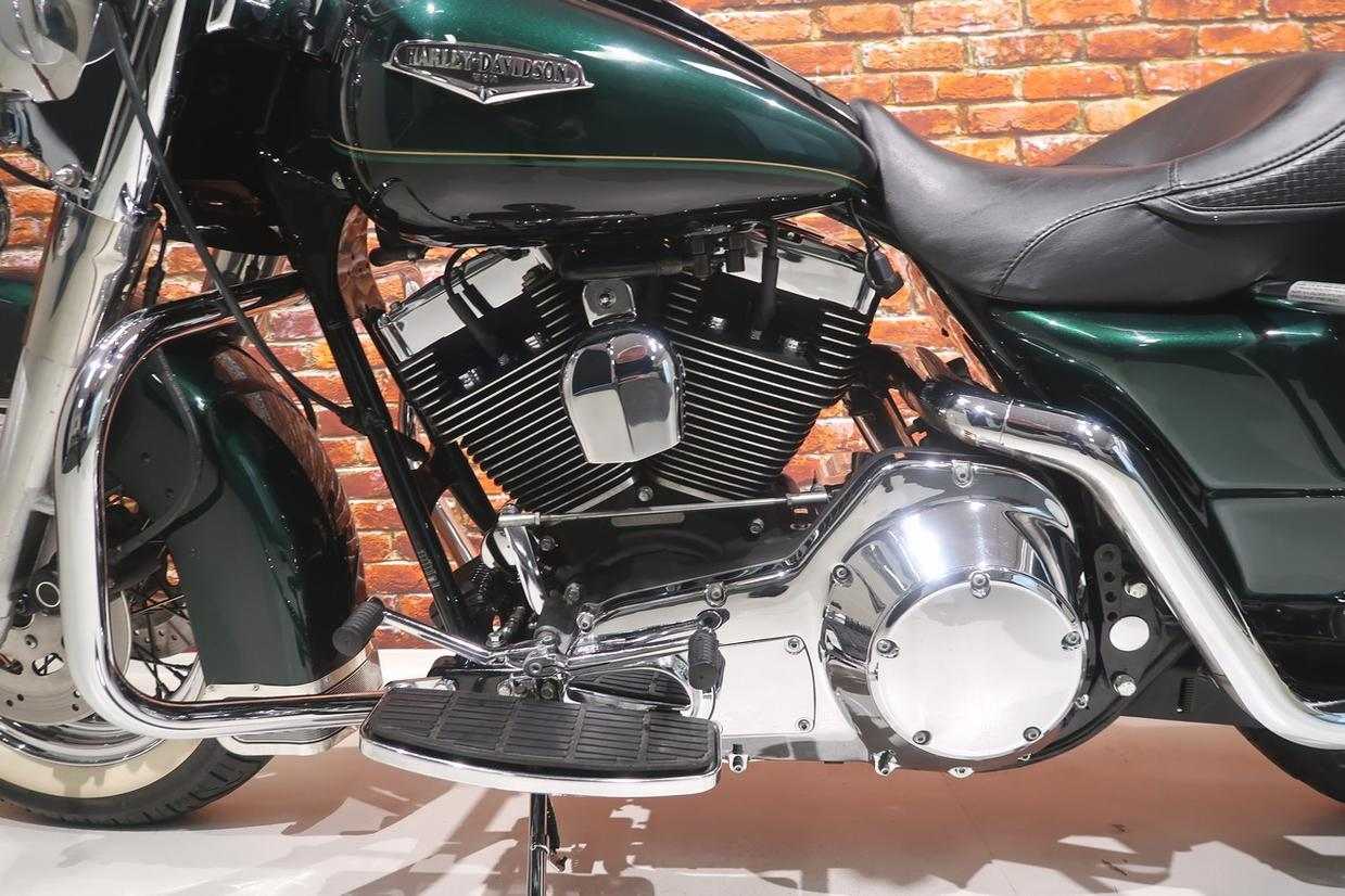 HARLEY-DAVIDSON - FLHRC Road King Classic 1450