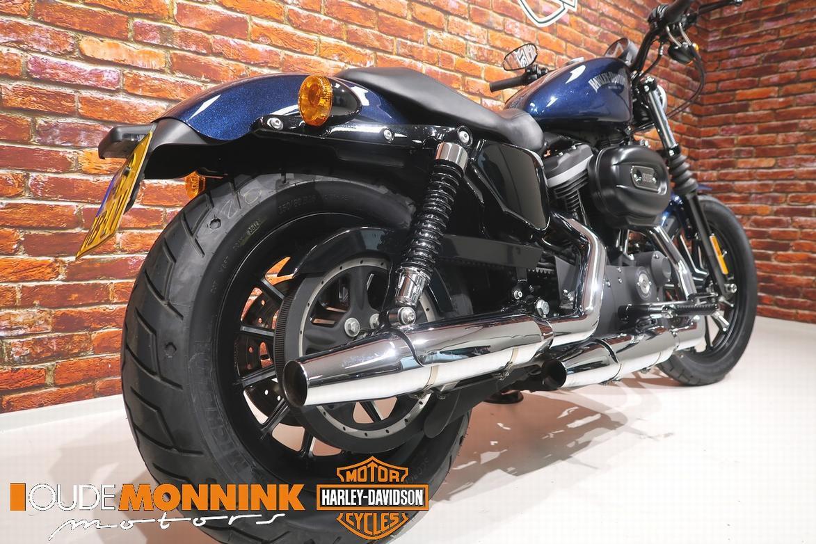 HARLEY-DAVIDSON - XL 883 N Iron Btw motor