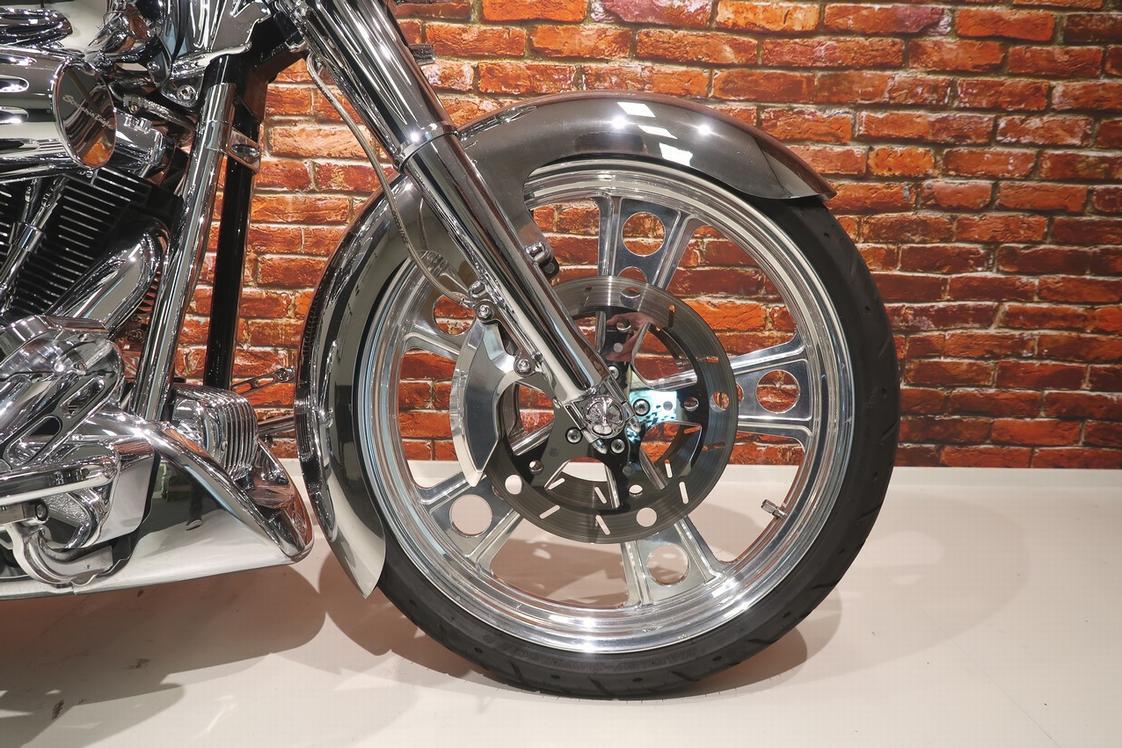 HARLEY-DAVIDSON - FXSTC Softail Custom 1580 FXS