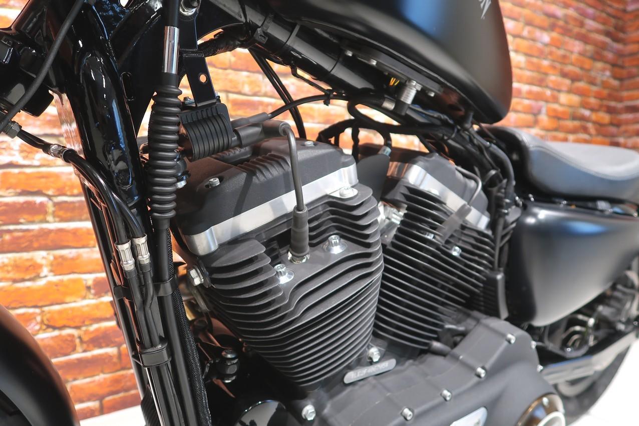 HARLEY-DAVIDSON - XL 883 N Iron Sportster XL 88