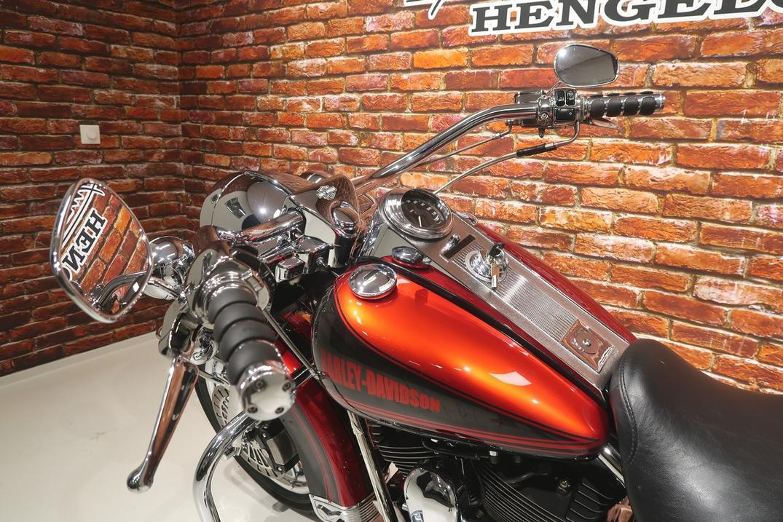HARLEY-DAVIDSON - FLHRC Road King Classic 1450
