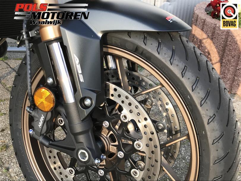 HONDA CB 650 RAK  Honda CB650R