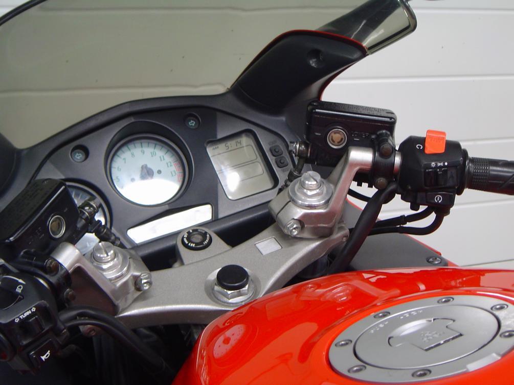 HONDA - VFR 800