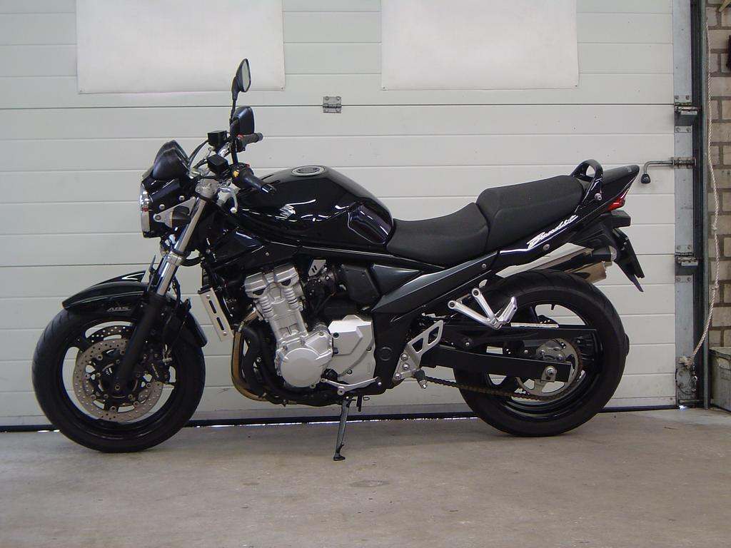 SUZUKI - GSF 650 A