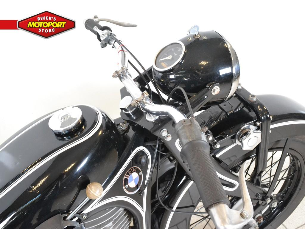 BMW - R 4