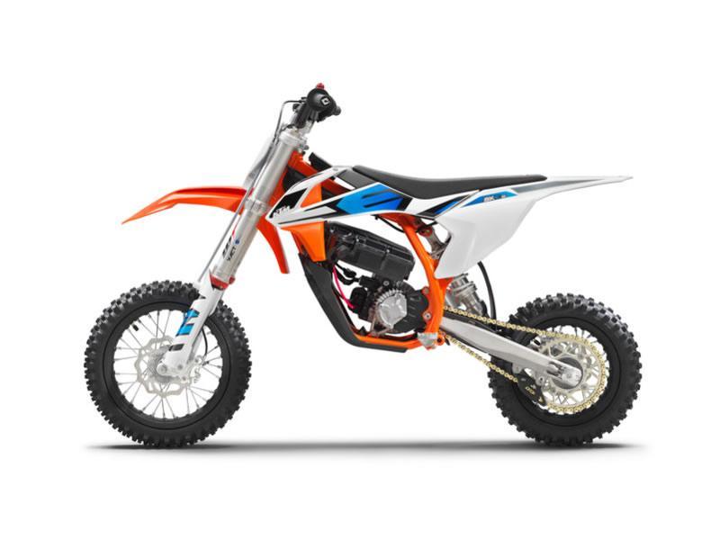 KTM - SX-E 5