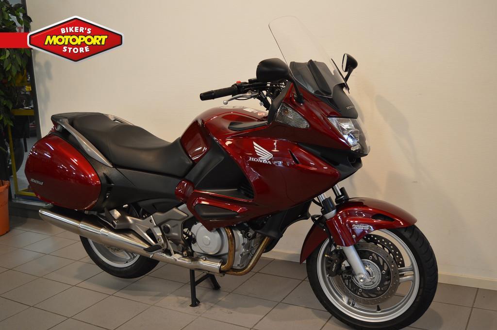 HONDA - NT 700 V ABS