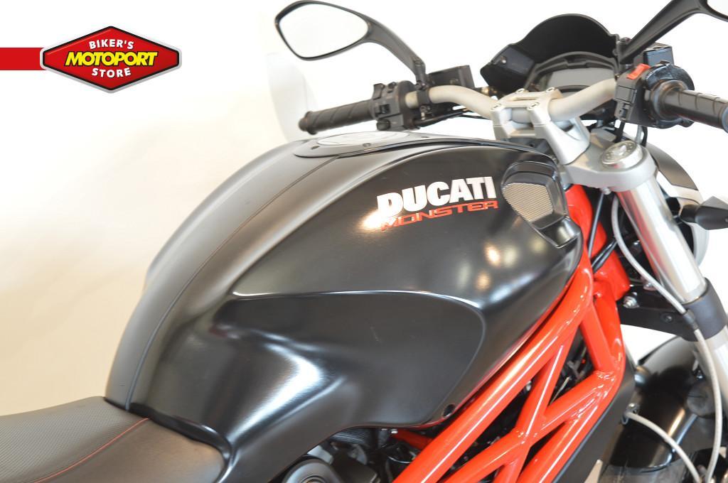 DUCATI - MONSTER 796 +