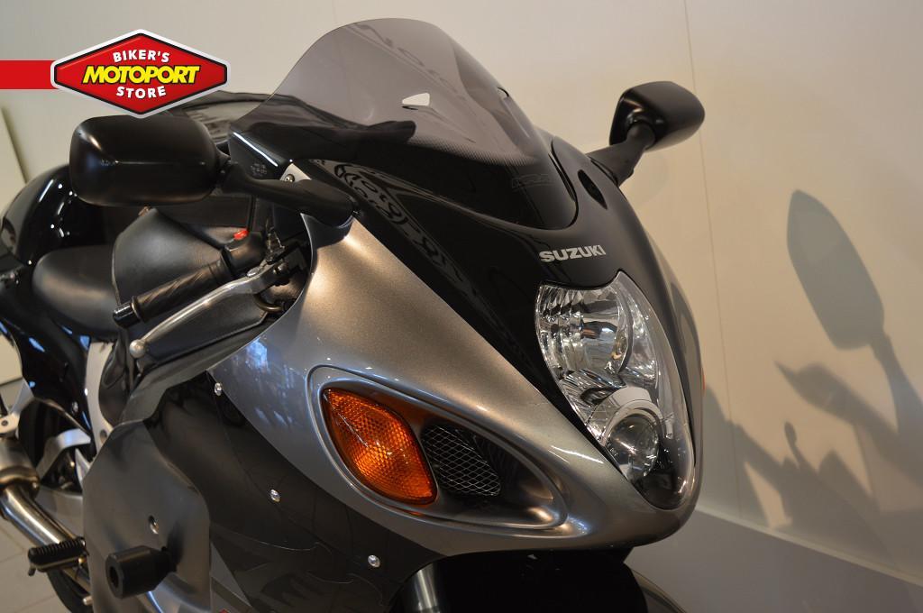 SUZUKI - GSX R 1300 HAYABUSA