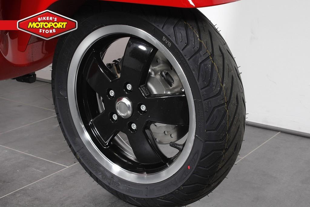 VESPA - GTS 300 SUPER ABS