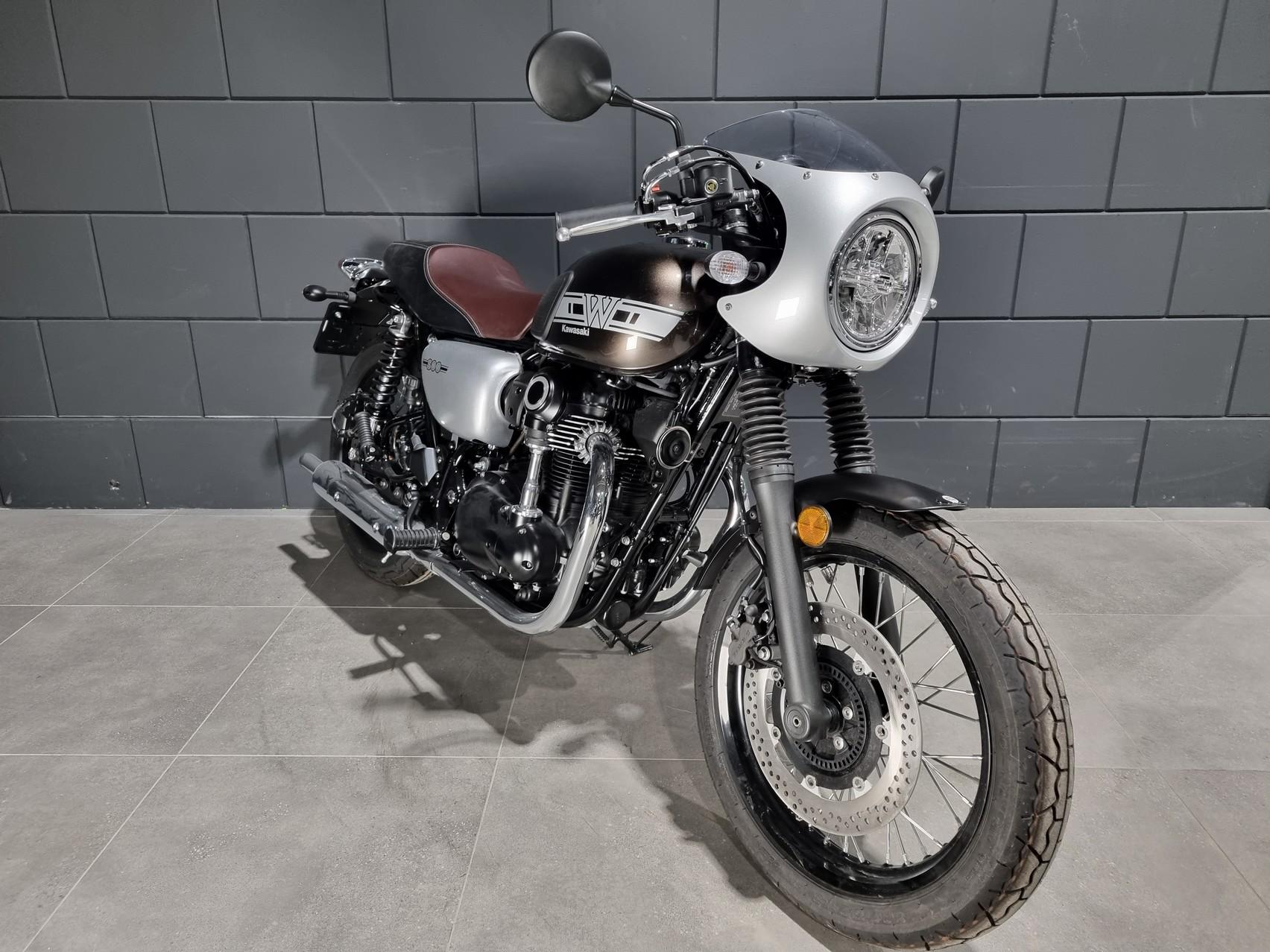 KAWASAKI - W 800 CAFE