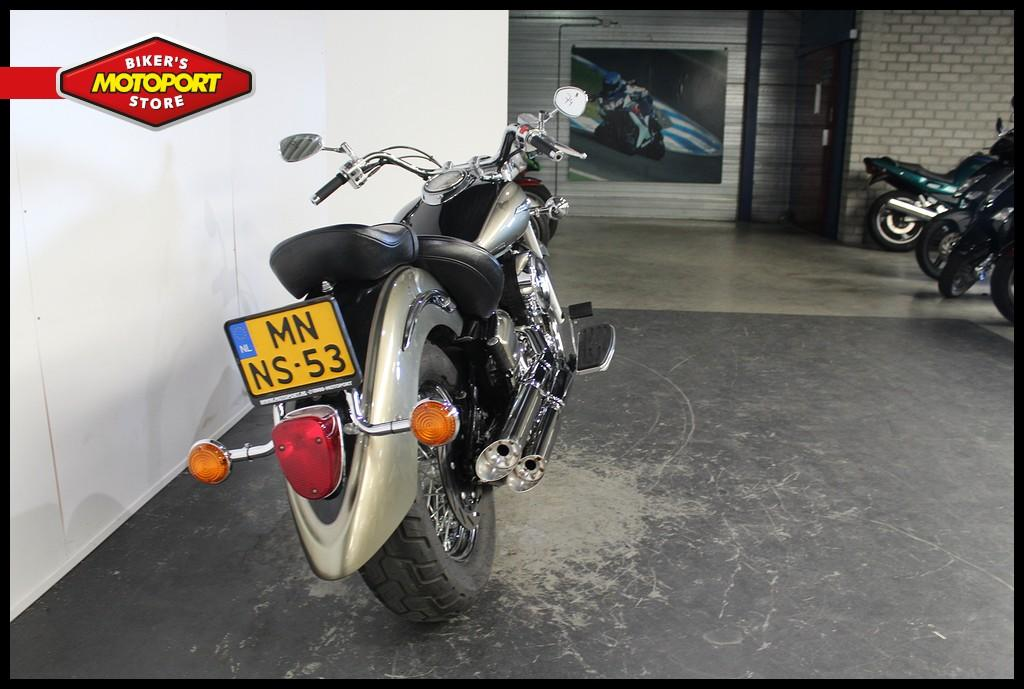 YAMAHA - XVS 1100 A Dragstar Classic