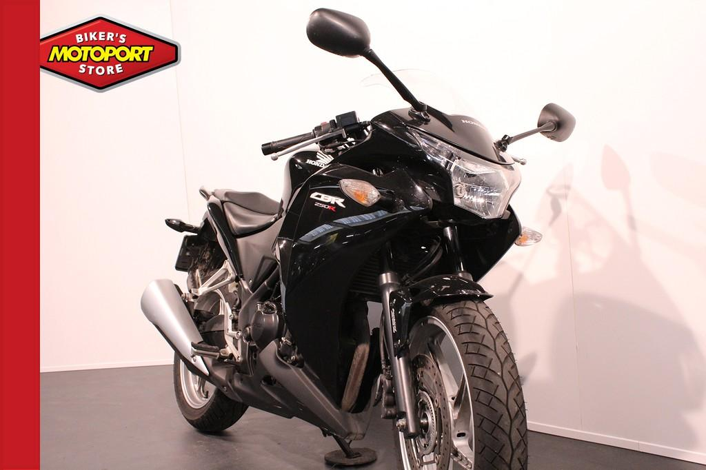 HONDA - CBR 250 R ABS