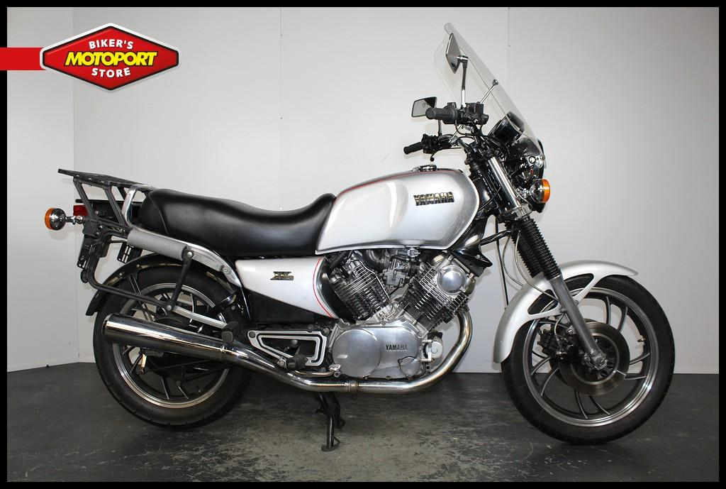 YAMAHA - XV 920