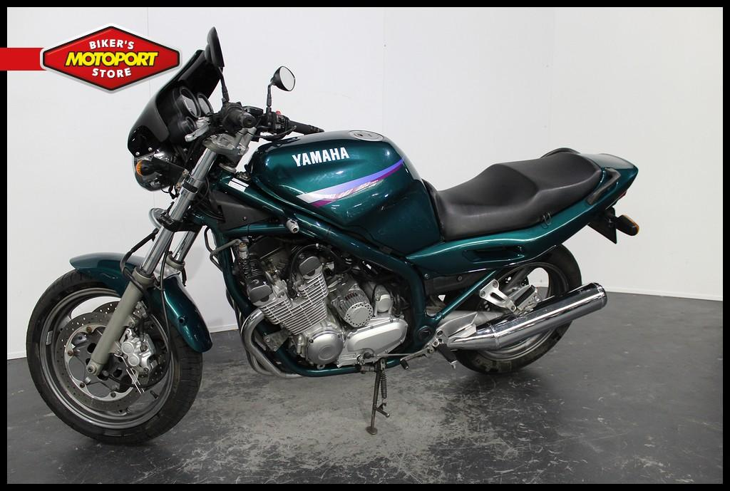 YAMAHA - XJ 900 S