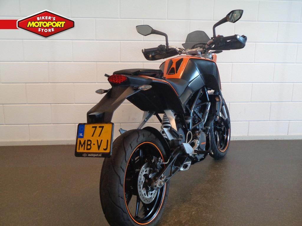 KTM - Duke 200