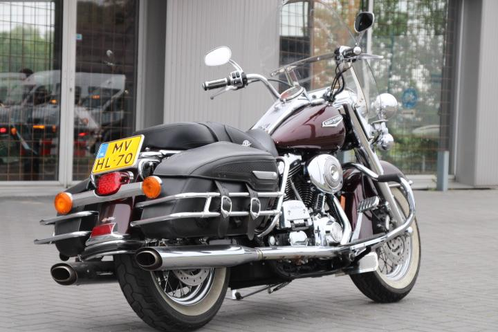 HARLEY-DAVIDSON - FLHRC Road King Classic