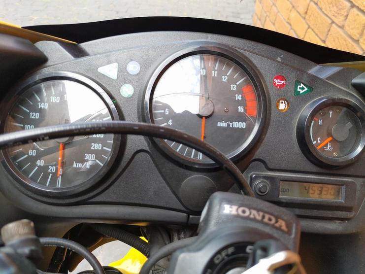 HONDA - CBR 600F