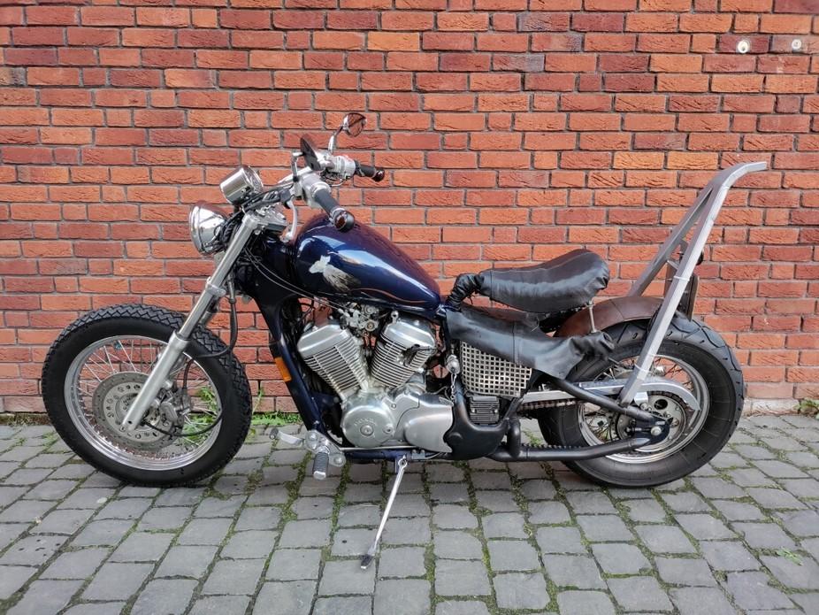 HONDA - VT 600