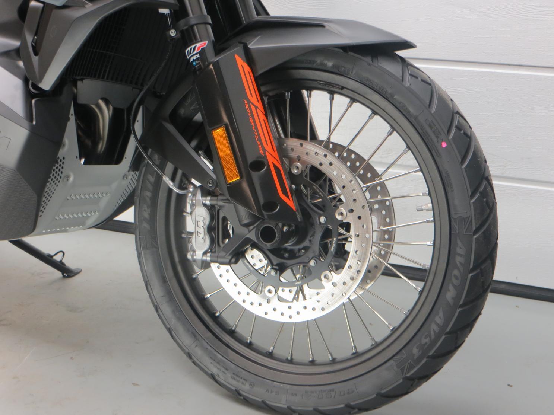 KTM - 890 ADVENTURE