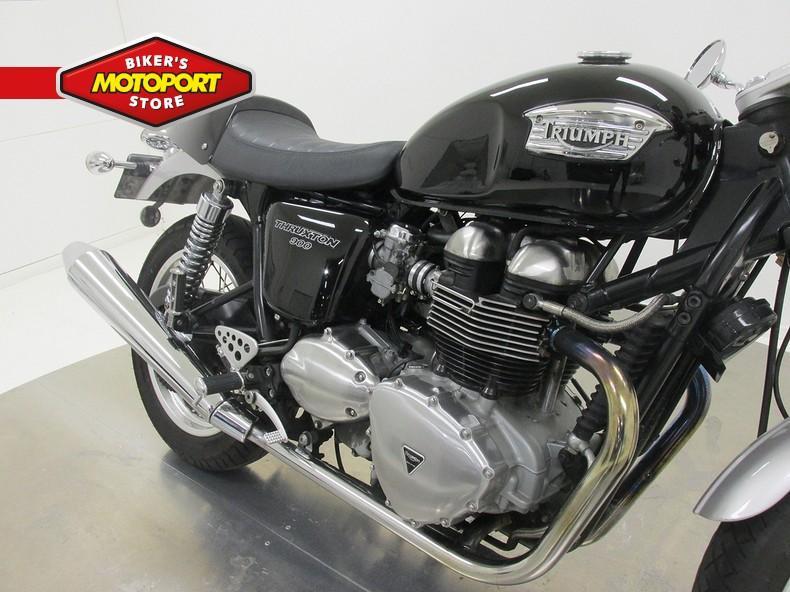 TRIUMPH - TRUXTON 900