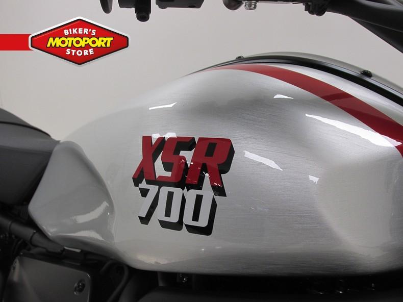 YAMAHA - XSR700