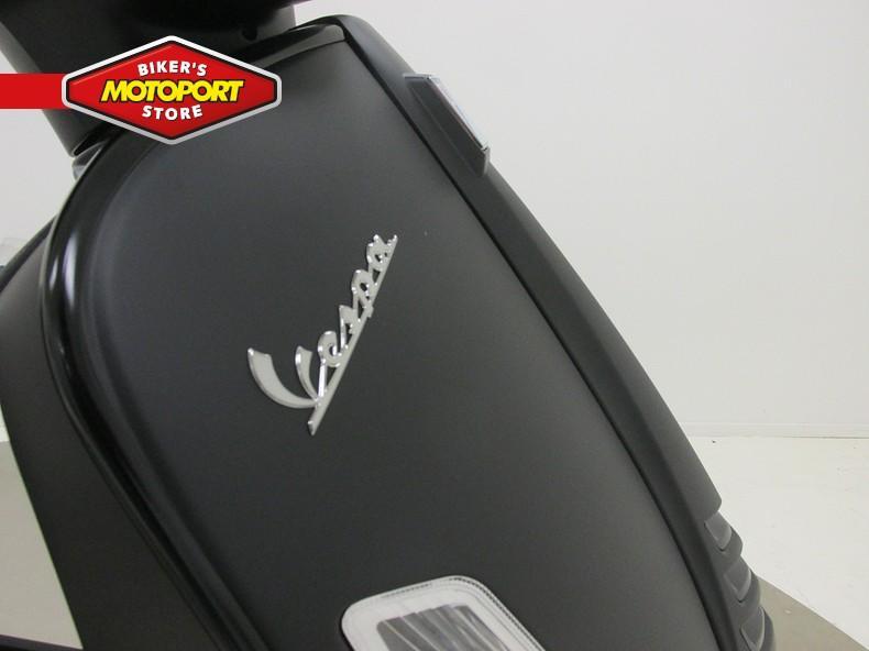 VESPA - GTS300 SUPER NOTTE