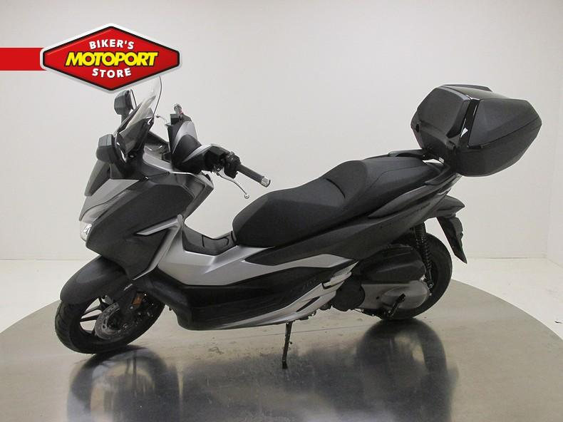HONDA - NSS300 FORZA