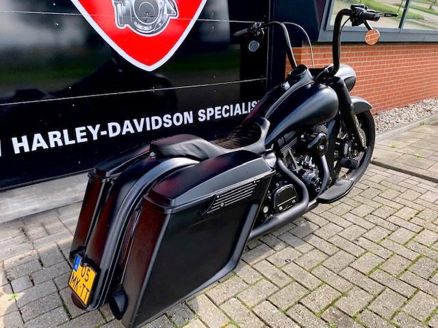 HARLEY-DAVIDSON - FLHR ROADKING FLHRC ROAD SPEC