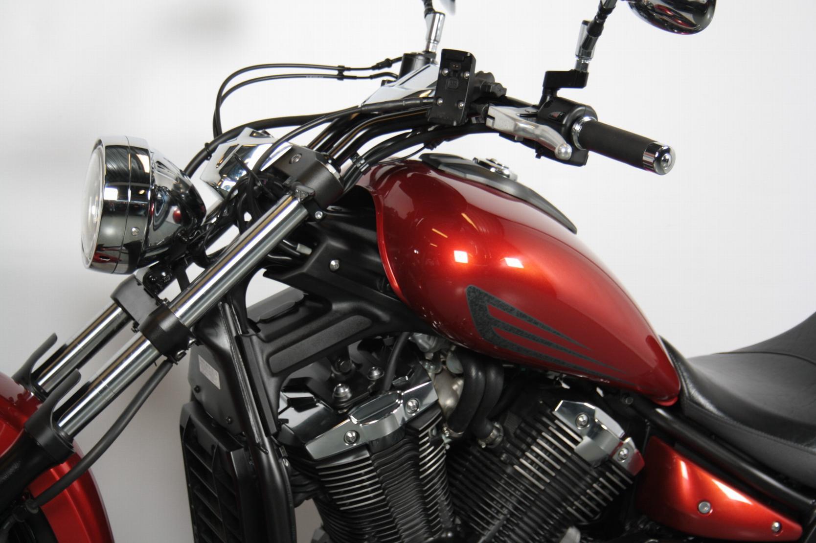 YAMAHA - XVS1300 Custom